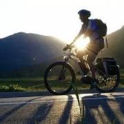 每一个骑行的人都应该看看这个视频